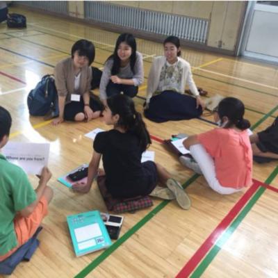 津田塾生と小学生による英語インタビュー!